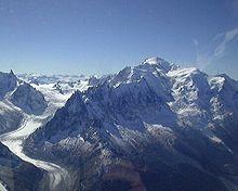 220px-Mont_Blanc_003